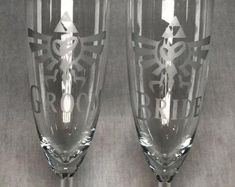 Legend of Zelda Wedding Wine Glass / Champagne Flute - Bride and Groom (Set)