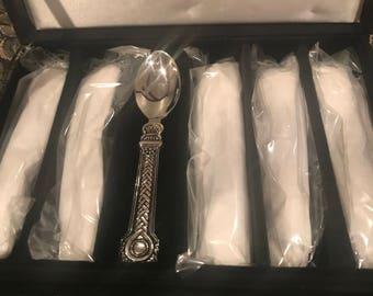 The Bombay Company Renaissance Demi Tasse Spoons Set of 6 -- NEW