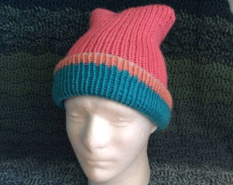 Double thickness knitted reversible adjustable slouch hat