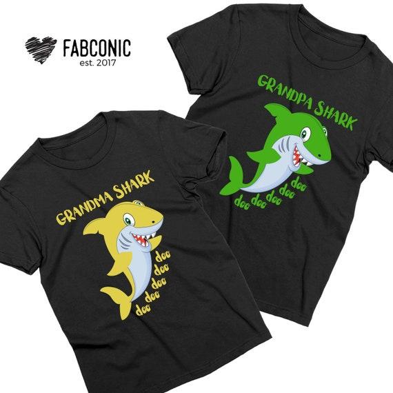 Papa Shark Doo doo doo Funny for Grandpa T-Shirt