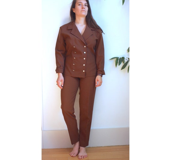Brown women's suit with pants and blazer / vintage