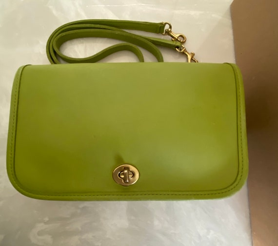 Coach Vintage Lime Green Leather Pocket Purse Bag