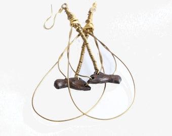 Collectible Yapu, ye ti me beafrica oko: hand carved wood earrings