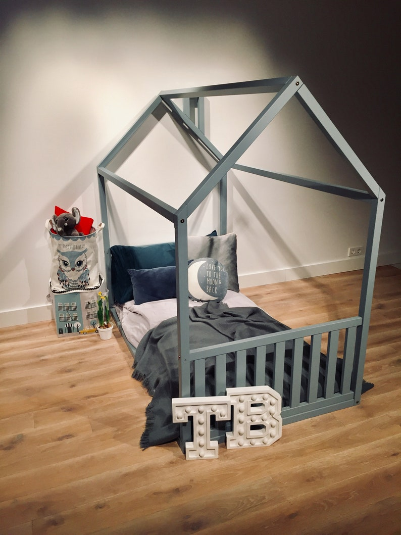 Nursery bed Frame bed Play house House bed Bed home Home bed Kid bed Baby bed Gift Toddler bed WITH 2 FENCES