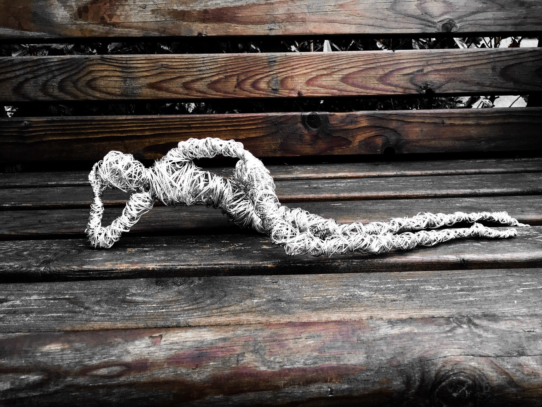 Draht-Kunst-Skulptur weiblichen und männlichen Kunst