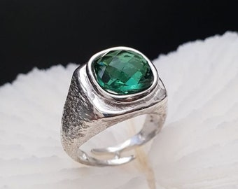 9.25 Silver pinky ring with Hard stones