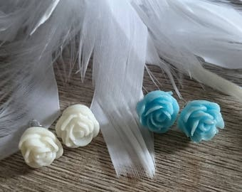 Set of earrings - white and blue cuteness - resin and metal