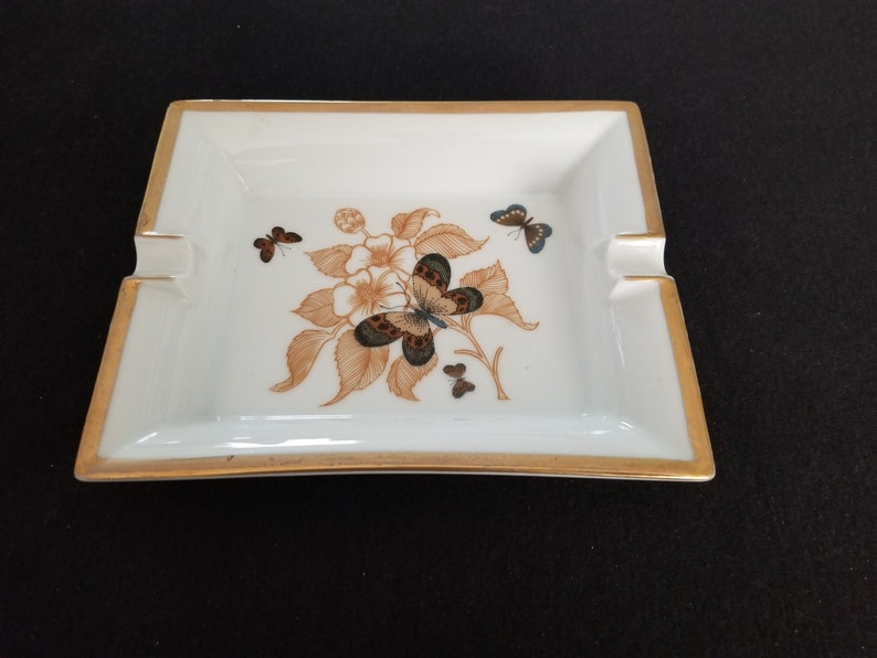 Lovely Details 7-12 x 6-14 x 1-14 Vintage Butterfly Ashtray with Gold Lip