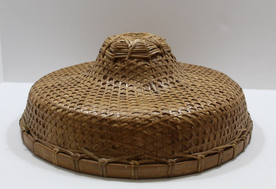Authentic Vintage Conical Asian Chinese Straw Rick