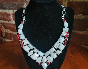 "Stunning Rainbow Moonstone and Garnet Gemstone Necklace - 18"" Adjustable Length - 925 Silver Plated"