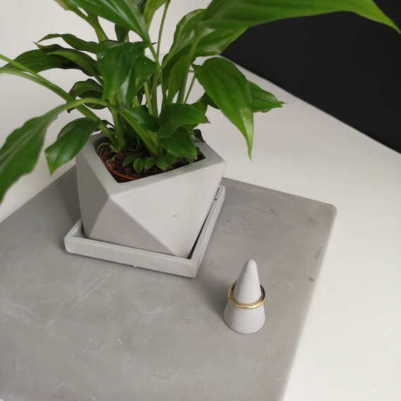 Gray Icosahedron Concrete Planter With Drainage And Square Saucer