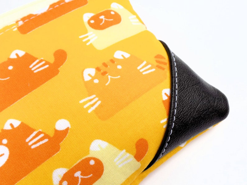 Small Zipper Pouch Yellow Cats