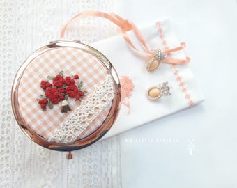 Rose Gold Embroidery Compact Mirror