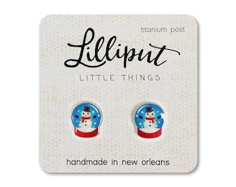 Snowman Snowglobe Earrings // Snowman Earrings // Christmas Earrings // Holiday Earrings // Winter Earrings