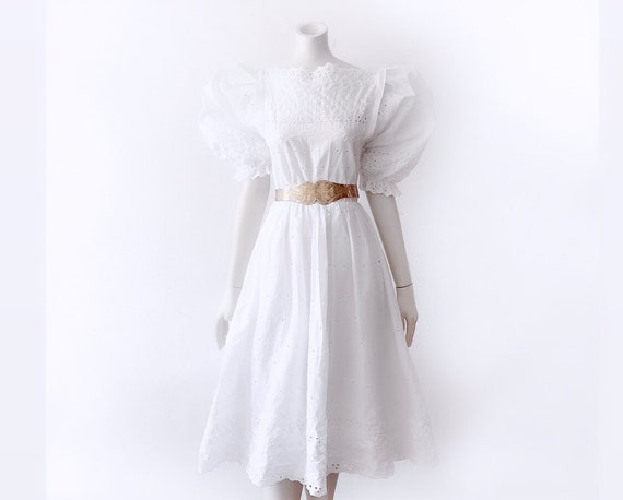 Vintage White Summer Dress Puffy Sleeves Lace