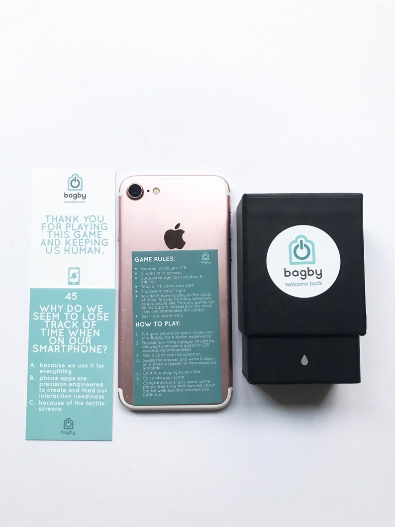 Trivia Game : Digital wellness / wellbeing / smartphone addiction / unplug   Minimalist format, premium quality printing