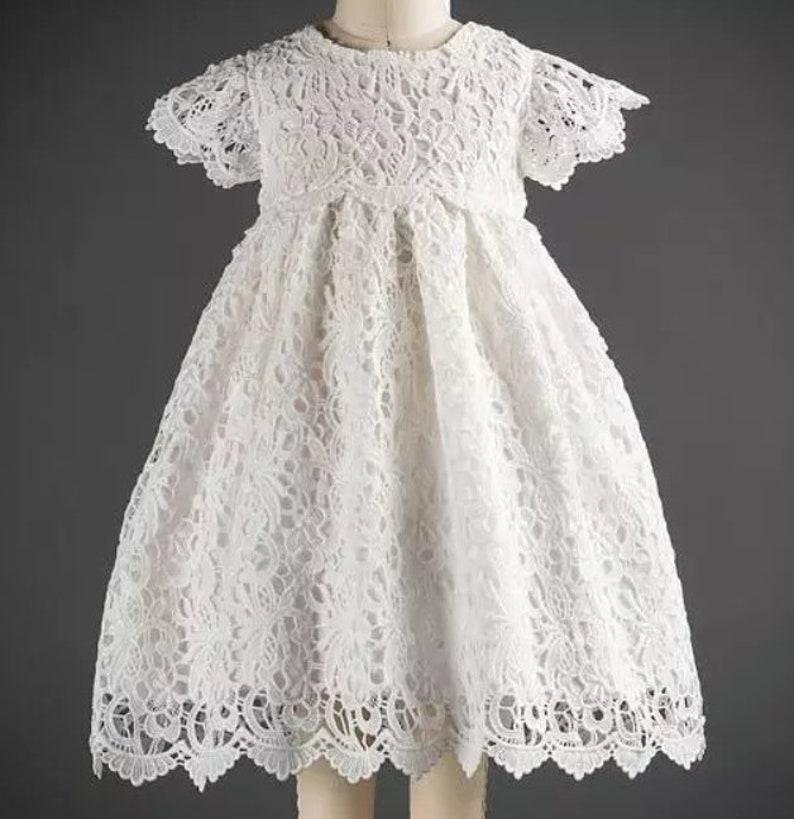 Taufe Kleid Haube Weiße Gnade Taufe Kleid Spitze Taufkleid Kleider Baby Kleinkind Mädchen Taufe Kleid Flower Neugeborene Spitze