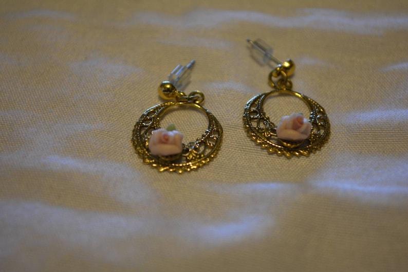 Chandelier dangle romantic gold tone filigree earrings with pink ceramic rose pierced earrings Vintage