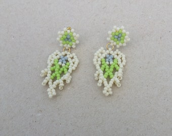 Little leaf earring with stud