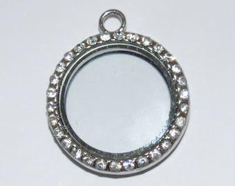 1 round Medallion glass rhinestone 35x30x7mm color Platinum