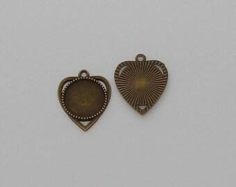 1 Support de pendentif forme coeur pour cabochon de 18mm rond taille 20x17mm