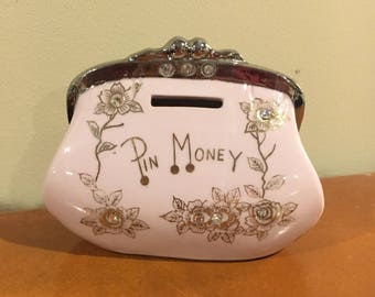Vintage Thames pin money bank