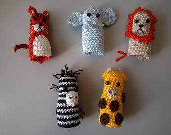 Finger puppets: animals of the Savannah