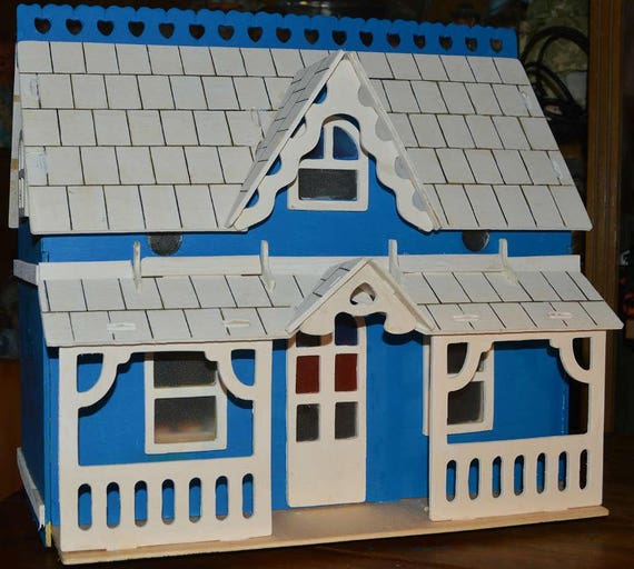 HH30 1//12th scale DOLLS HOUSE HANDMADE WOODEN TOOL CASE WITH ACCESSORIES