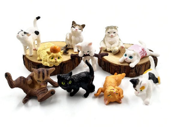Dollhouse Accessory Miniature Hand Painted Detail Siamese Cat PVC Plastic Figure
