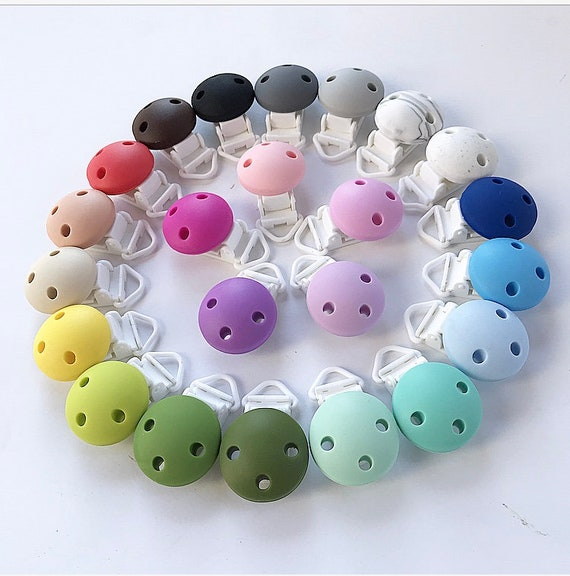 5PCs Puchsia Baby Pacifier Clips Round Wood Metal Holders
