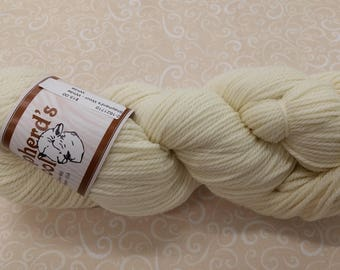 Shepherd's Wool - Worsted Spun Fine Wool - color #012618 White