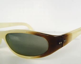 45edf7459b Vintage 1960s Polaroid Cool-Ray Sunglasses