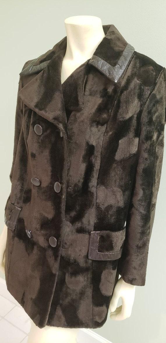 mod 1970's brown faux fur & vinyl women's coat M
