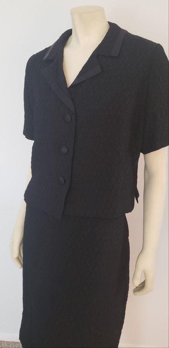 women's 1960's black skirt suit L crinkled acetate
