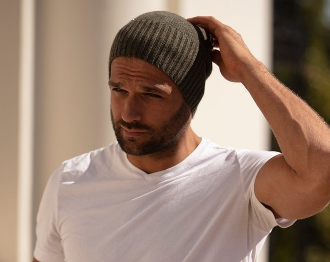 Featured listing image: Mens cashmere lightweight beanie