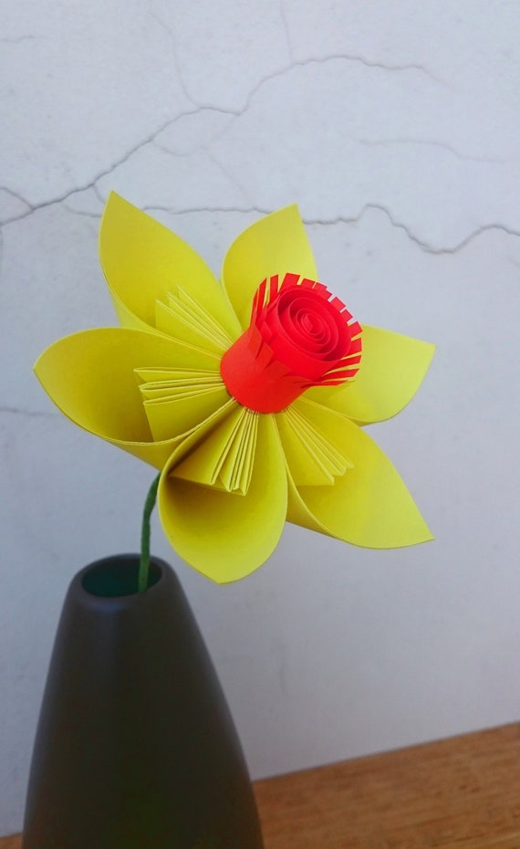 3d Pop Up Daffodil Card - Red Ted Art - Make crafting with kids ... | 930x570