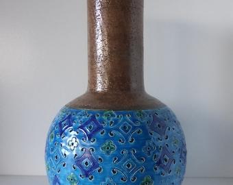 A Beautiful XL Bitossi Aldo Londi Vase, with the Spagnolo Design, Italy 1960.