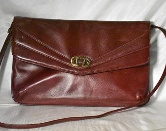 Etienne Aigner Genuine Leather Vintage Shoulder Bag 51c458c9c7ea5
