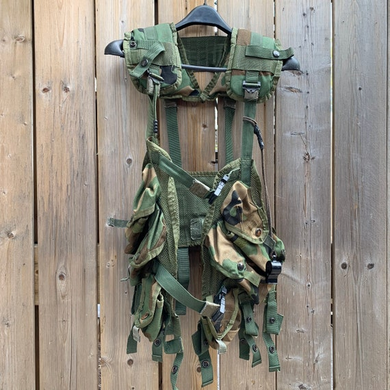 Us Army Surplus >> Vintage U S Army Surplus Flc Camo Vest With Ammo And Grenade Etsy