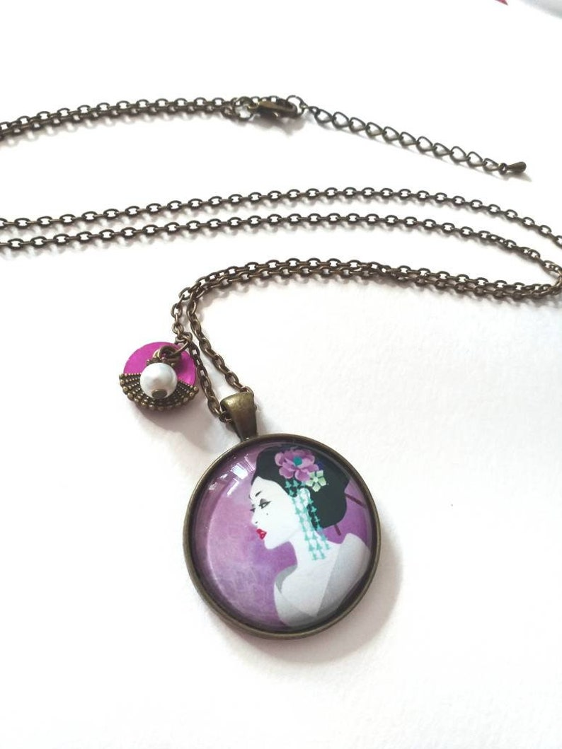 Mother-of-pearl geisha parma purple fan Japanese brass cabochon glass