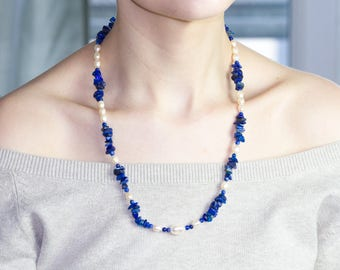 Stunning necklace of beads and pieces of lapis lazuli and pearls freshwater pearls