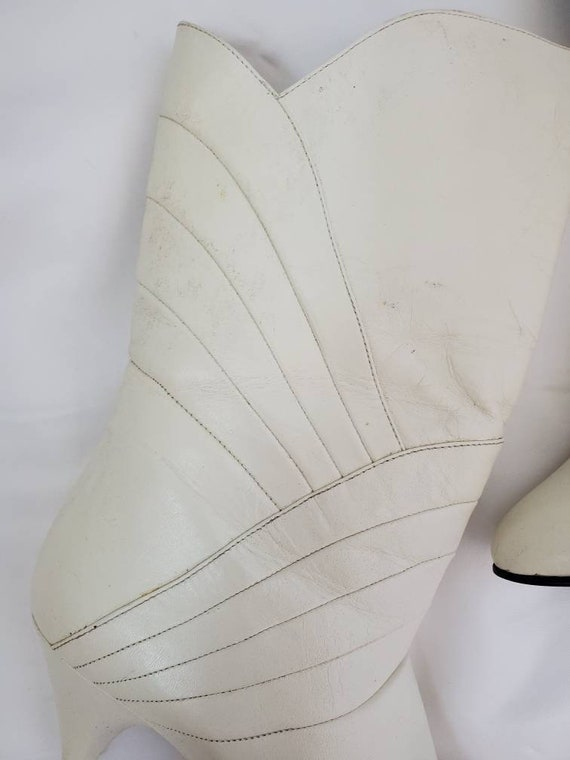 1980s Gloria Vanderbilt white vintage 80s boots - image 7