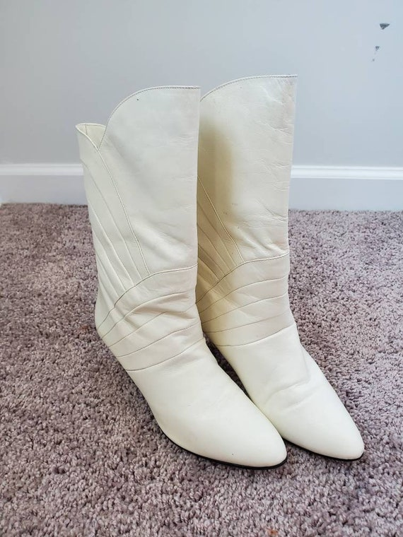 1980s Gloria Vanderbilt white vintage 80s boots - image 2