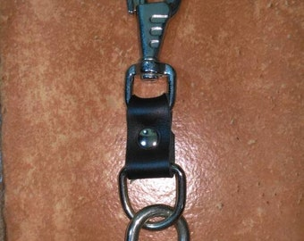 Leather key ring with carabiner and rings