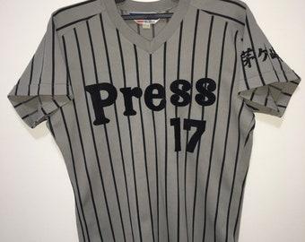 cd14e2acc102 Vintage 90s basseball jersey brand mizuno