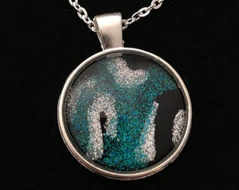Silver and Teal Glass Glitter Pendant Necklace 016