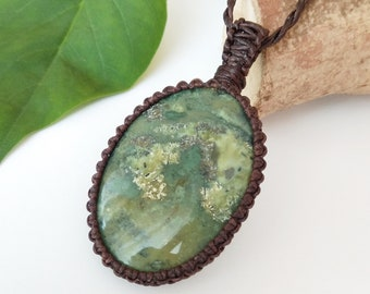 Necklace with green stone/Variscite gemstone pendant/big green necklace, Macrame Jewelry/Healing Crystals, green Variscite necklace