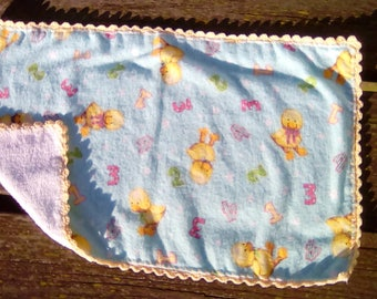 Duck with numbers burp cloth
