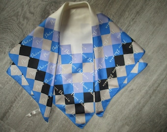 Nice little Pierre BALMAIN, silk scarf, hemmed by hand in very good condition vintage scarf 55 X 58 cm