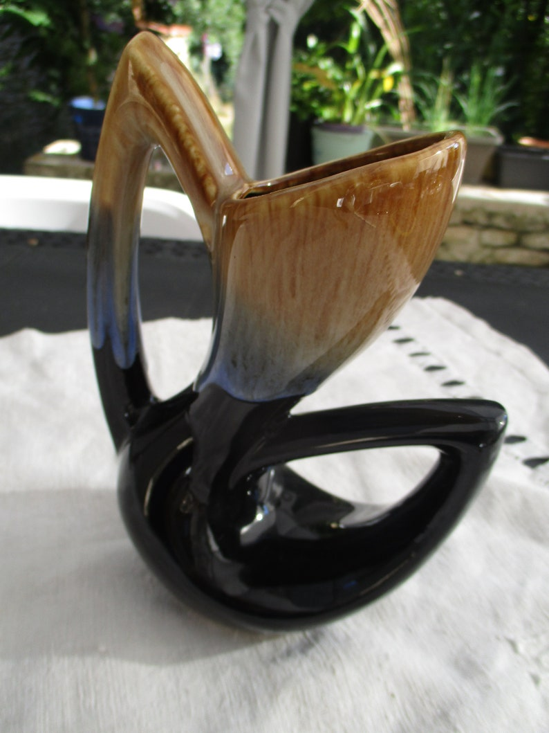 unsigned France in very good condition with 2 handles staggered stylized Small vase ART DECO 19 cm ceramic